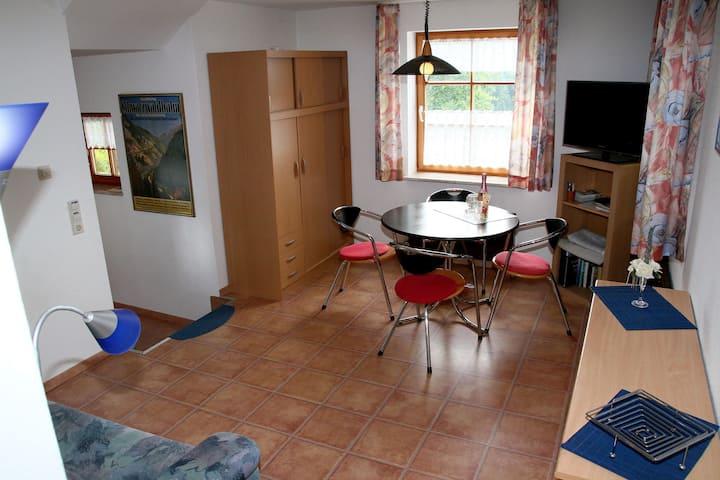 Ferienwohnung Weber, (Triberg), Nichtraucher-Ferienwohnung, 50qm, 1 Schlafzimmer, 1 Wohn-/Schlafraum, max. 4 Personen