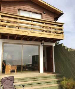 Amplia casa nueva con hermosa vista al mar
