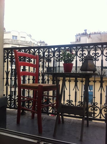 Charmant appt parisien 2p. lumineux, balcon filant - Paris - Apartment
