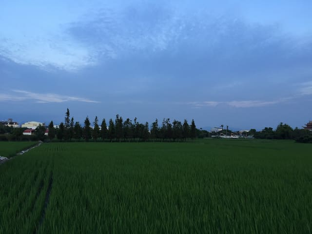 *體驗農家樂* 晚上看星星 白天看綠稻田 就在台中高鐵旁 只要十分鐘 - taichung  - Gästhus