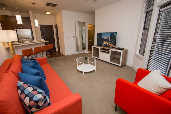 Awesome 2 Bedroom/ 2 Bathroom near AMWAY Center