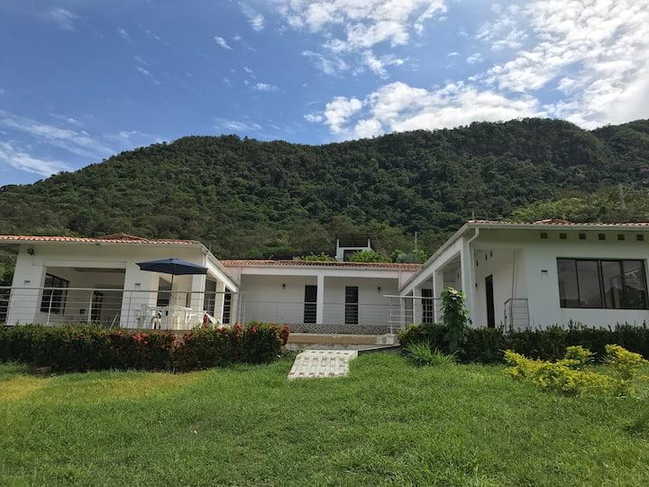 Casa campestre Condominio Cerros del Guacana