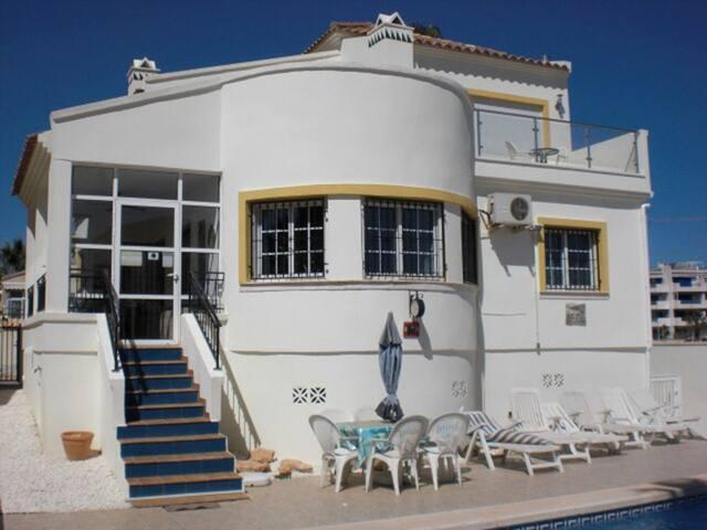 120. Detached Villa, Playa Flamenca, Spain - 3 Bedroom - Sleeps 6 - Playa Flamenca - Villa