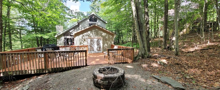 Rustic Pocono Home w Fire Pit Grill Deck by Skiing