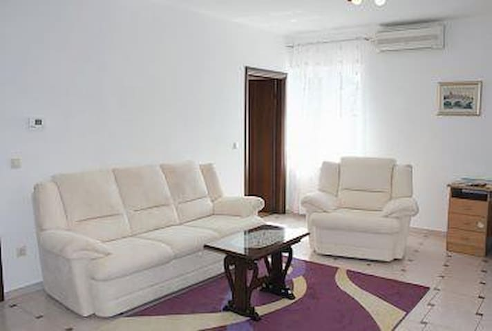 Two bedroom apartment with terrace Ika, Opatija (A-7932-a) - Ika - Leilighet