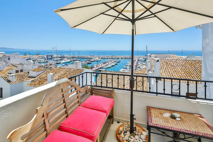 Harbour View Apartment in Chic Puerto Banus