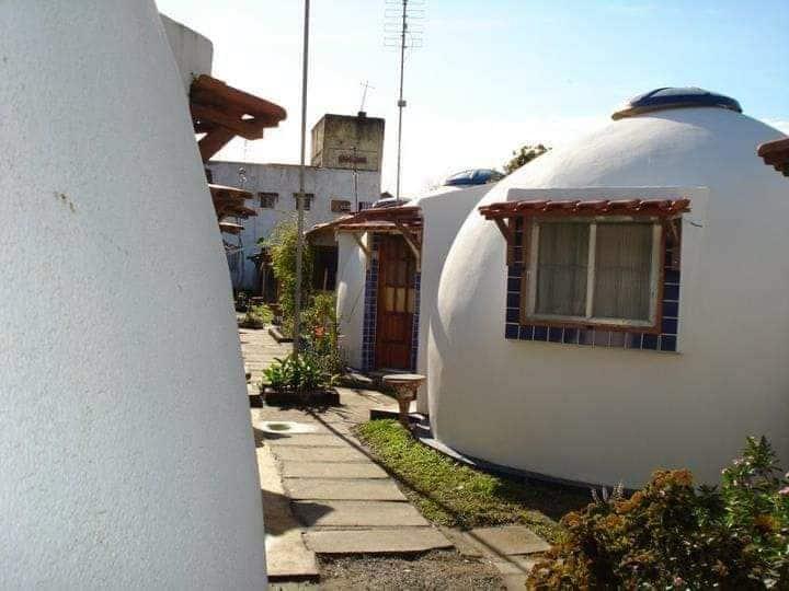 Kitinetes mobiliada tipo iglo em Rio das ostras