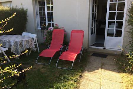 Vacances normandes, logement avec jardin + parking