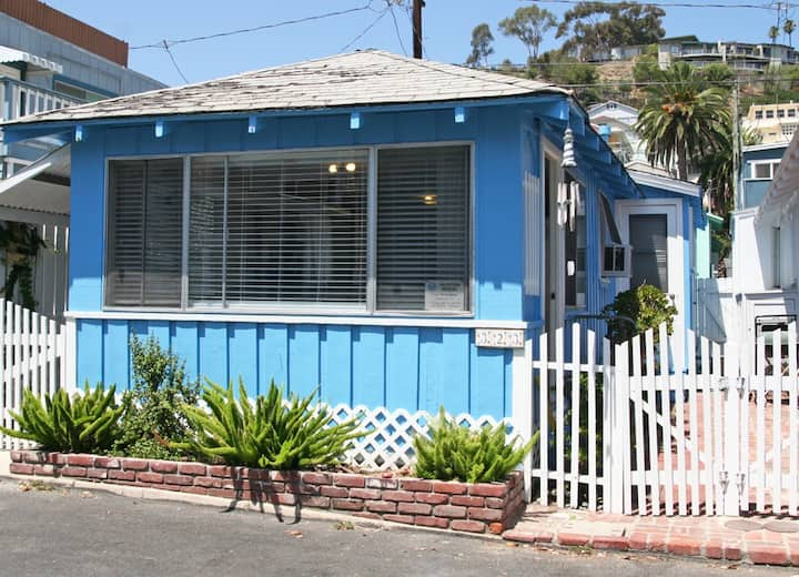 Charming Cottage with A/C, 2.5 Blocks to Beach, WIFI - 323 Eucalyptus Ave