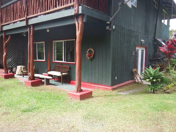 Pua Mala, Room 1 at Aloha Crater Lodge