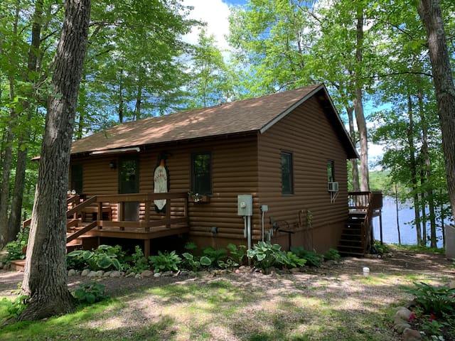 Lakefront Cabin in Birchwood, Wi