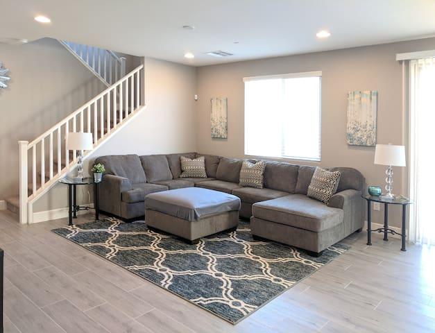 Luxury, Incredible 4 Bedroom Home in Las Vegas