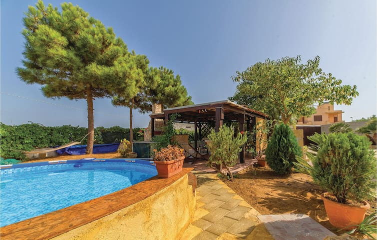 Holiday cottage with 2 bedrooms on 60m² in Castelvetrano TP