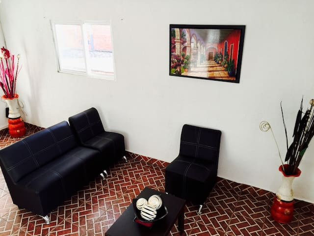 MLM Downtown Apartment complete for you. - Morelia - Huoneisto