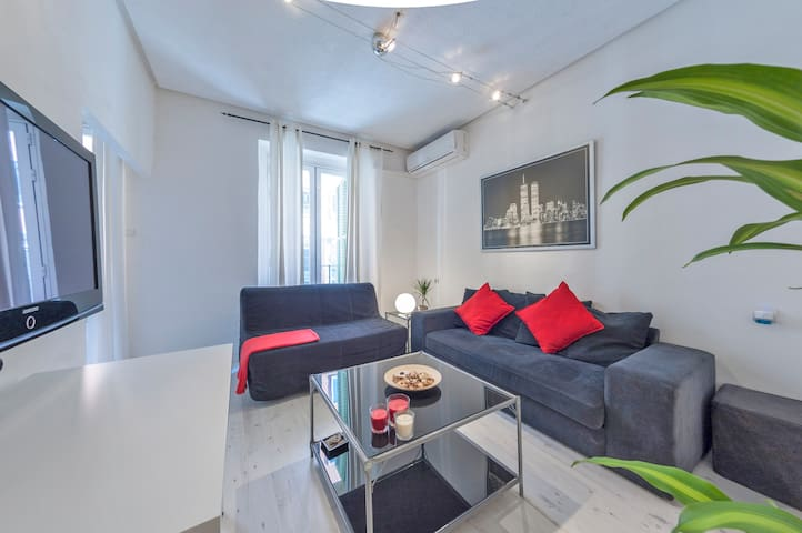 SOL APARTMENT WITH BEST LOCATION (WIFI&A/C)