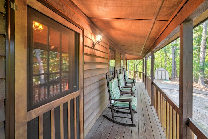 Private Ellijay Cabin w/Deck, Fire Pit & Amenities
