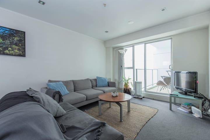 2 bedroom apartment in CBD | Pool + Gym