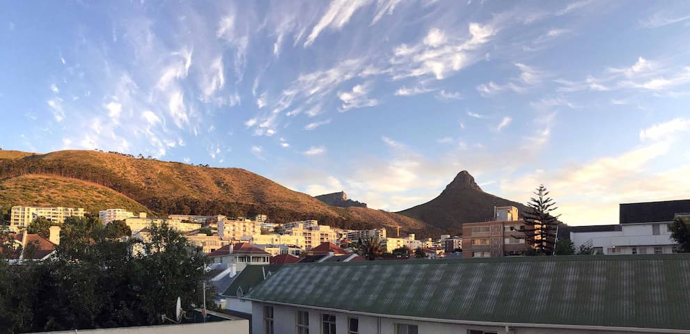 Modern 1 Bedroom apartment Seapoint - Cape Town - Byt