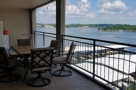 Newly Furnished 3Bed/3Bath Condo. 55 Ft Balcony!!! - Lake Ozark - Kondominium