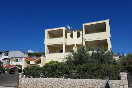 Novalja Apartmani Vrtlici Zdenka app2 - Stara Novalja - Huoneisto