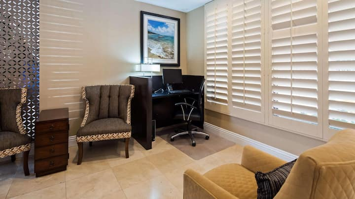 Private Room Double Bed Non Smoking At Oceanside