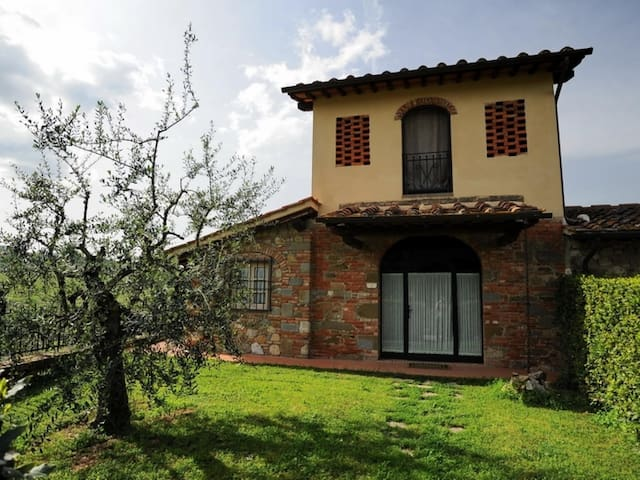 Country House in Cavriglia ID 3503