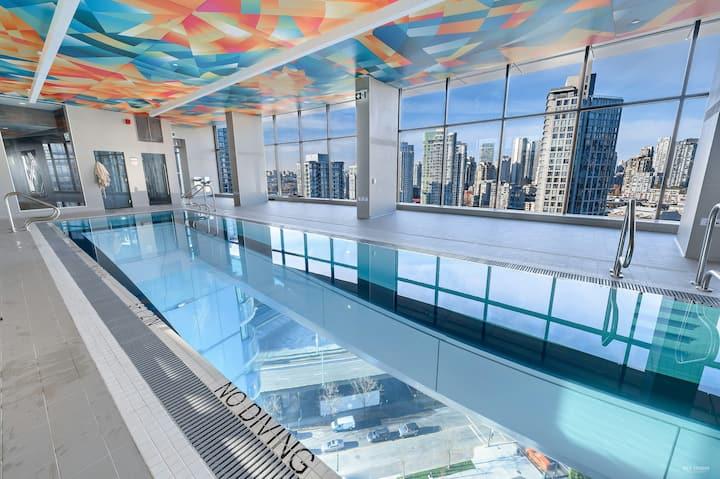 New Luxury City Views DT Condo