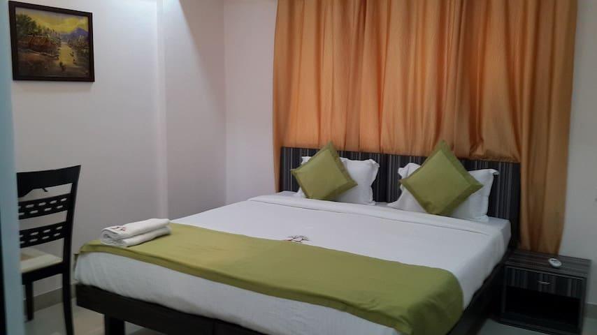 2 BHK Spacious Apartment in Bandra - Bombay - Apartamento