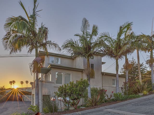 Beach Living - Sylish And Updated Ocean View Condo - Cayucos - Appartement en résidence