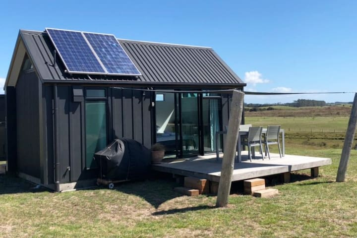 The Cozy Little Black Cottage - Solar Powered