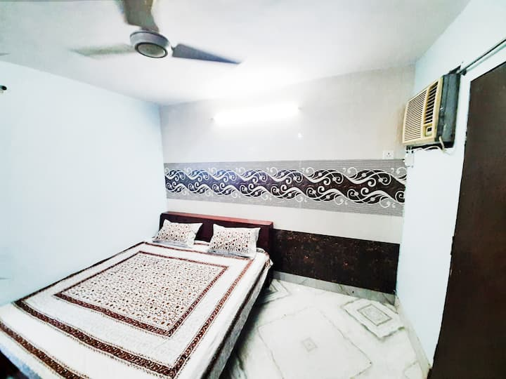 AMAN RESIDENCY  - BUDGET FRIENDLY ROOMS