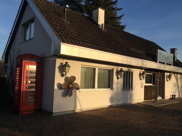 Haus an wunderschöner Lage direkt am Alten Rhein