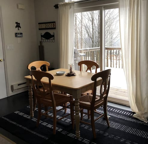 Dining table expands to seat 6