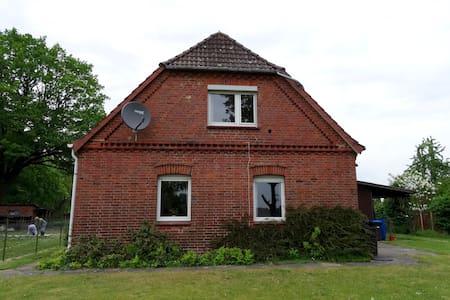 Komplettes Ferienhaus nahe Lüneburg in Brietlingen - Brietlingen - Huis