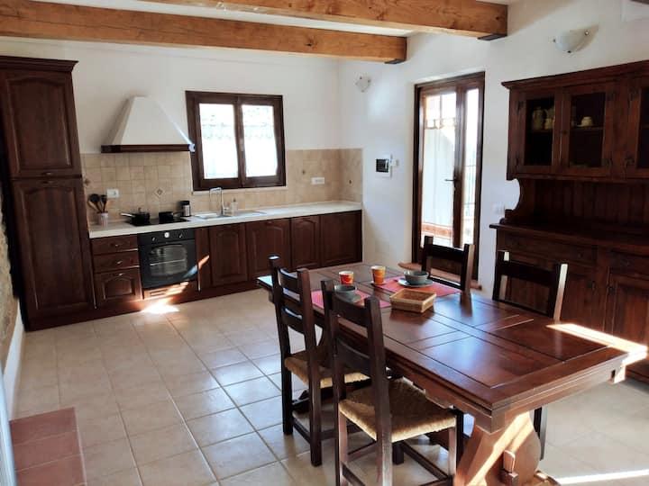 Casa con Giardino tra le Vigne del Candia, Toscana