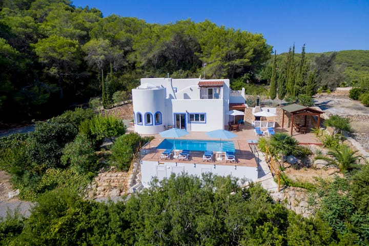 Charming villa with pool, Can Toni Mateu.