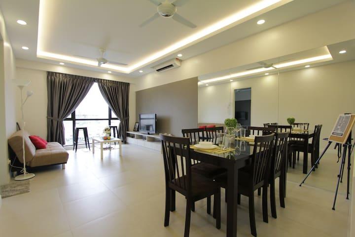Loft Suite-Near Subang Airport . Ara Damansara LRT