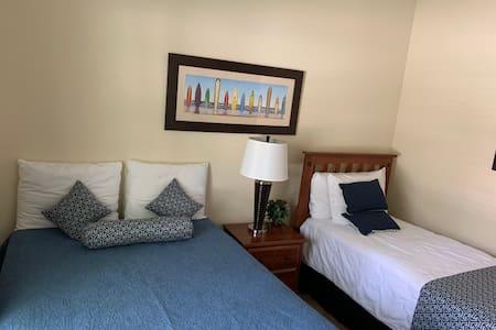 Comfortable room Blue - Near Disney