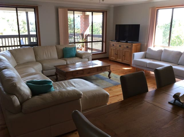 Adriatica-RYE Large 3BR House with Views