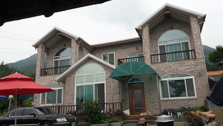 펜션1 천왕봉실 - Namwon-si - Appartement