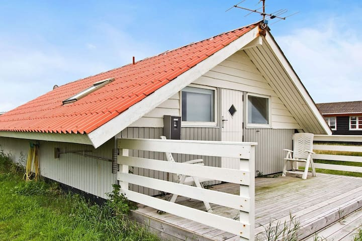 Spacious Holiday Home in Harboøre with Roofed Terrace