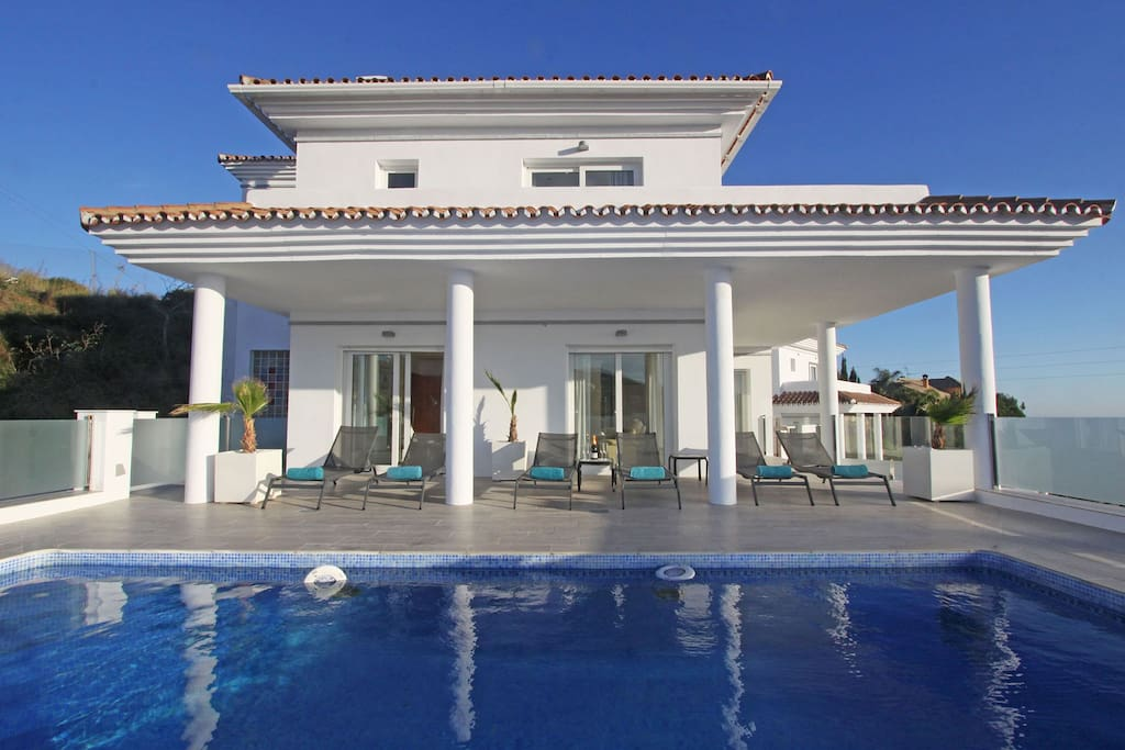 Villa new renovated modern style with a nice terrace and access to the living room