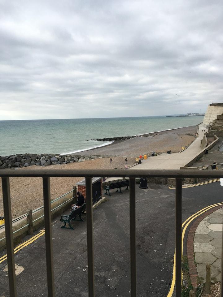 Brighton flat with fantastic sea views