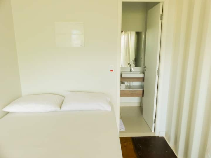Studios Kuta (1x Double Bed + 1 Single Bed)