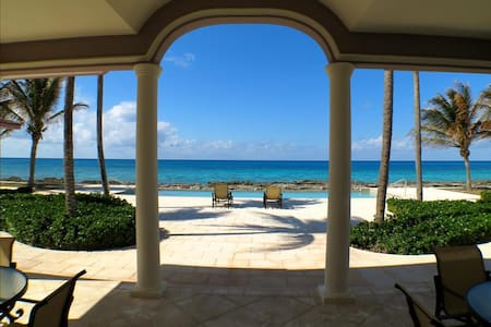 Waterside 3 bedroom villa on Grand Bahamas - West Grand Bahama