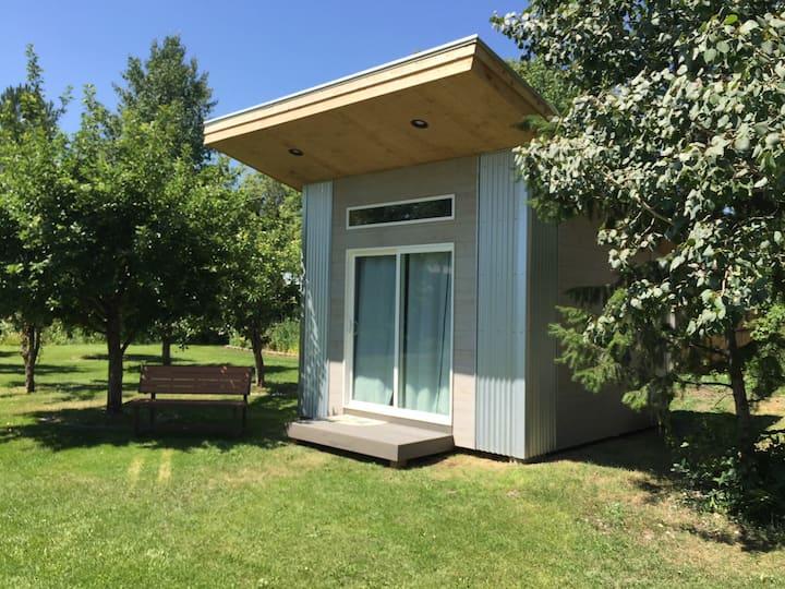 The OWL Birdhouse Cabin