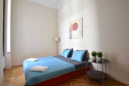 תמונה של חדר שינה