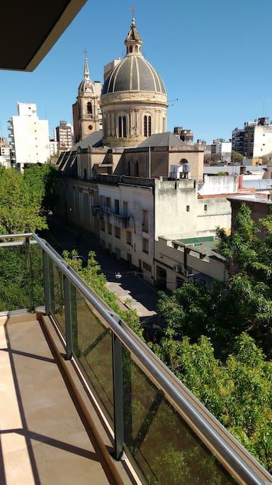 Vista a la Basílica San José