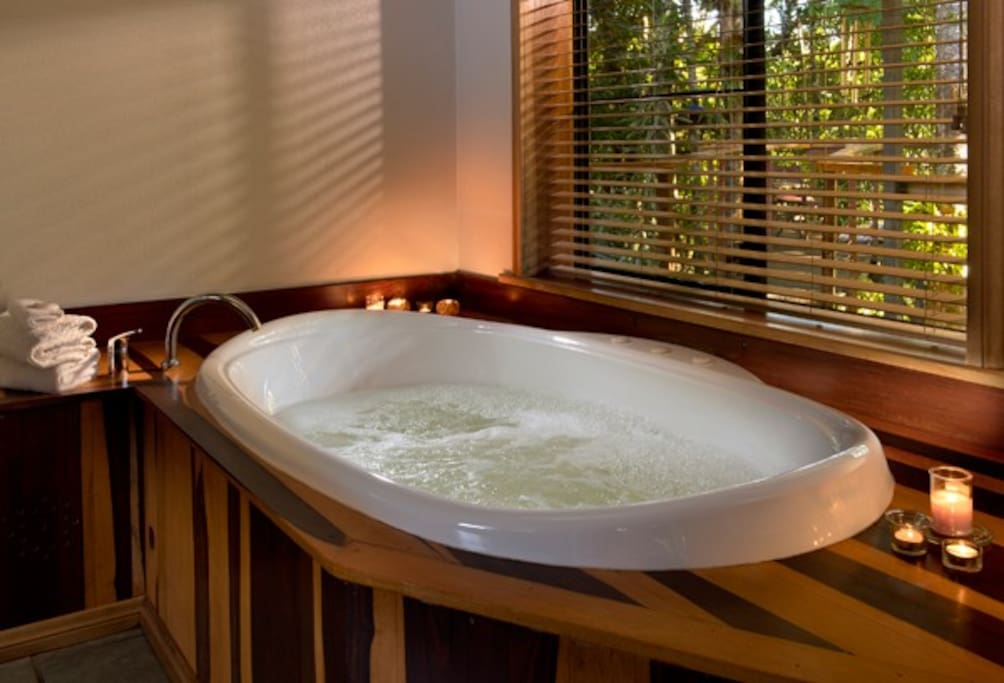 Spa for 2 overlooking the rain-forest
