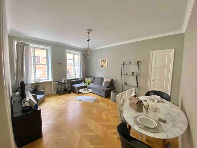 Minimalistic luxury apartment central Södermalm